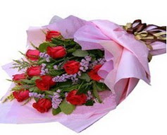 11 adet kirmizi güllerden görsel buket  Çorum çiçek gönderme
