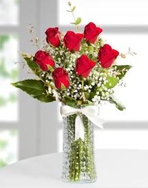 Cam vazoda 7 adet kırmızı gül  Çorum hediye çiçek yolla