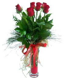 vazo içerisinde 5 kırmızı gül  Çorum online çiçekçi , çiçek siparişi