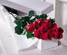 Çorum ucuz çiçek gönder  özel kutuda 12 adet gül
