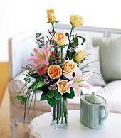 Çorum hediye çiçek yolla  cam yada mika vazo içerisinde gül kazablanka