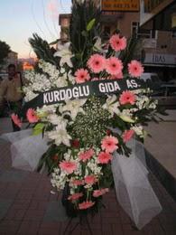 kazablanka,gerbera,sebboy ferforje  Çorum internetten çiçek satışı
