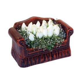 seramik içerisinde 11 gül  Çorum çiçek siparişi sitesi