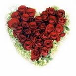 kalp biçiminde 15 gülden   Çorum online çiçekçi , çiçek siparişi