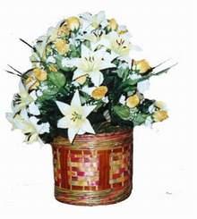 yapay karisik çiçek sepeti   Çorum 14 şubat sevgililer günü çiçek