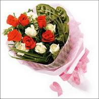 5 kirmizi 5 beyaz güllerden   Çorum cicekciler , cicek siparisi