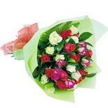 12 adet renkli gül buketi   Çorum çiçek gönderme
