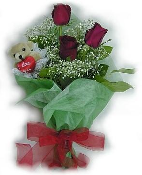 3 adet gül ve küçük ayicik buketi  Çorum uluslararası çiçek gönderme
