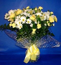 Çorum çiçek siparişi sitesi  sade mevsim demeti buketi sade ve özel