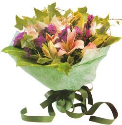 karisik mevsim buketi anneler günü ve sevilenlere  Çorum internetten çiçek satışı