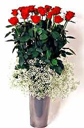 Çorum uluslararası çiçek gönderme  9 adet kirmizi gül cam yada mika vazoda