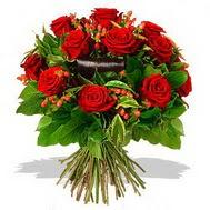 9 adet kirmizi gül ve kir çiçekleri  Çorum internetten çiçek siparişi