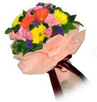Çorum internetten çiçek satışı  Karisik mevsim çiçeklerinden demet