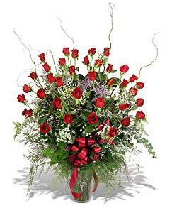Çorum çiçekçiler  33 adet kirmizi gül vazo içerisinde