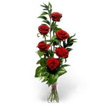Çorum çiçekçiler  cam yada mika vazo içerisinde 6 adet kirmizi gül