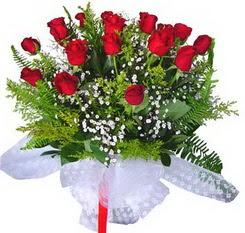 Çorum ucuz çiçek gönder  12 adet kirmizi gül buketi esssiz görsellik