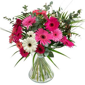 15 adet gerbera ve vazo çiçek tanzimi  Çorum cicekciler , cicek siparisi