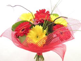9 adet gerbera çiçeklerinden buket  Çorum ucuz çiçek gönder