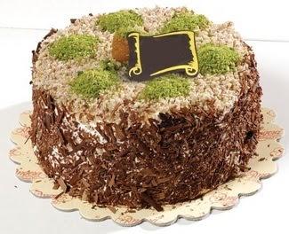 pasta gönderme 4 ile 6 kisilik çikolatali yas pasta  Çorum ucuz çiçek gönder