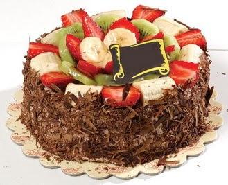 pastaci firmasindan 4 ile 6 kisilik çikolata meyvali yaspasta  Çorum çiçekçiler