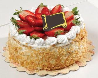 uygun pastaneler 4 ile 6 kisilik çilekli yas pasta lezzetli  Çorum cicek , cicekci