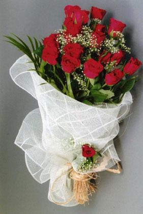 10 adet kirmizi güllerden buket çiçegi  Çorum çiçek yolla , çiçek gönder , çiçekçi
