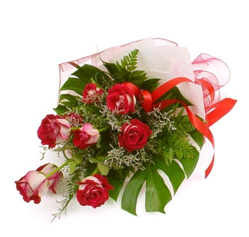 çiçek gönder 7 adet kirmizi gül buketi  Çorum yurtiçi ve yurtdışı çiçek siparişi