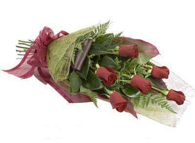 ucuz çiçek siparisi 6 adet kirmizi gül buket  Çorum çiçekçiler