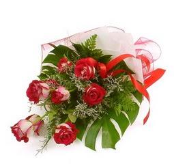 Çiçek gönder 9 adet kirmizi gül buketi  Çorum cicek , cicekci