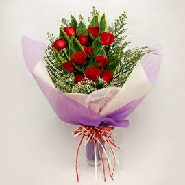 çiçekçi dükkanindan 11 adet gül buket  Çorum internetten çiçek satışı