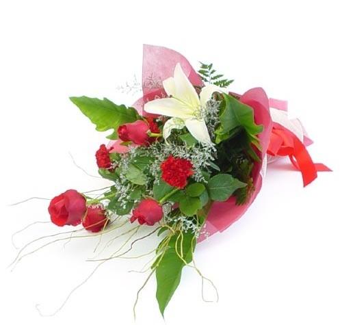 Mevsim çiçeklerinden karisik buket  Çorum uluslararası çiçek gönderme