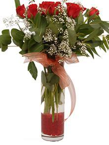 Çorum anneler günü çiçek yolla  11 adet kirmizi gül vazo çiçegi