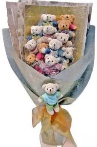 12 adet ayiciktan buket tanzimi  Çorum uluslararası çiçek gönderme
