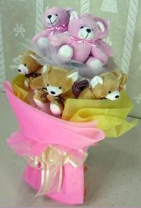 8 adet ayiciktan buket  Çorum uluslararası çiçek gönderme