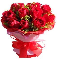 9 adet kirmizi güllerden kipkirmizi buket  Çorum çiçek siparişi vermek