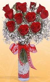 10 adet kirmizi gülden vazo tanzimi  Çorum çiçekçiler