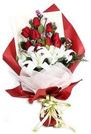 Çorum çiçek siparişi sitesi  9 adet gül 2 adet kazablanka buketi