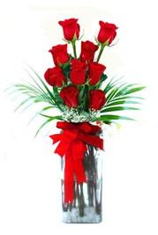Çorum çiçek , çiçekçi , çiçekçilik  9 adet mika yada cam vazoda gül tanzimi