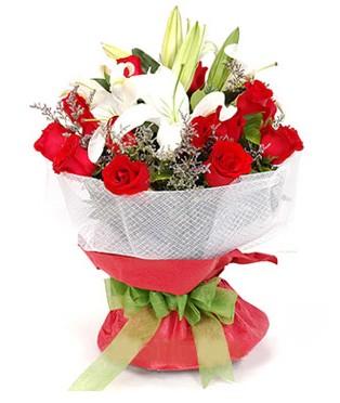 Çorum çiçek siparişi sitesi  1 dal kazablanka 11 adet kırmızı gül buketi