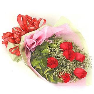 Çorum hediye çiçek yolla  6 adet kırmızı gülden buket