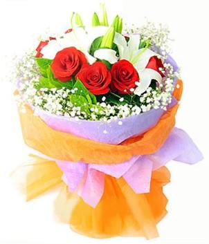 Çorum çiçek gönderme  1 dal kazablanka 7 adet kırmızı gül buketi