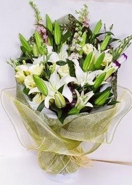 Çorum kaliteli taze ve ucuz çiçekler  3 adet kazablankalardan görsel buket çiçeği