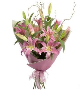 Çorum çiçek yolla  3 dal cazablanca buket çiçeği