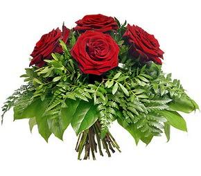Çorum güvenli kaliteli hızlı çiçek  5 adet kırmızı gülden buket
