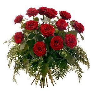 Çorum internetten çiçek siparişi  15 adet kırmızı gülden buket