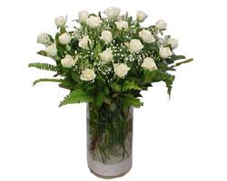 Çorum çiçek yolla , çiçek gönder , çiçekçi   cam yada mika Vazoda 12 adet beyaz gül - sevenler için ideal seçim