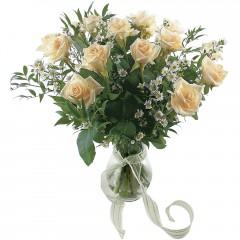 Vazoda 8 adet beyaz gül  Çorum hediye sevgilime hediye çiçek