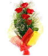 5 li kırmızı gül buketi  Çorum internetten çiçek siparişi