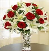 12 adet kırmızı gül 2 dal kazablanka vazosu  Çorum ucuz çiçek gönder