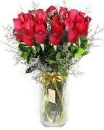 27 adet vazo içerisinde kırmızı gül  Çorum çiçek yolla